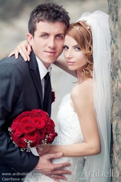 Сватба в страстно червено -  Парк Хотел Санкт Петербург