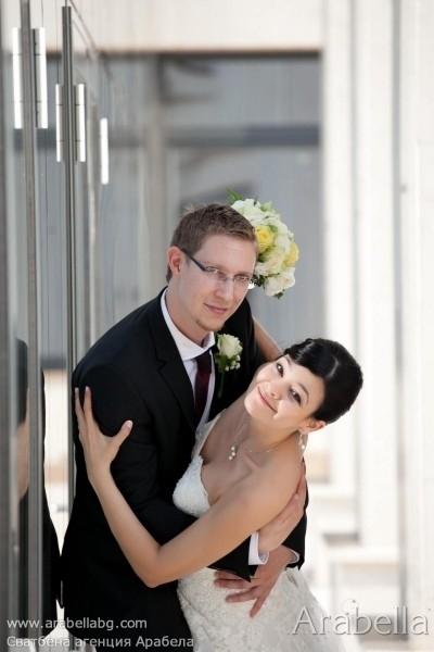 Сватба с жълт акцент в ресторант -  Ресторант Рубаят