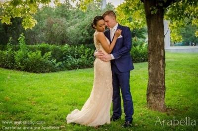 Българо - английска сватба в розово и бяло -  Хотел Тримонциум