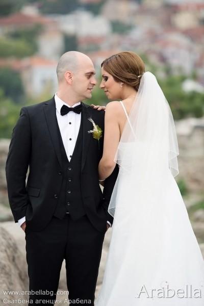 Сватба в цвят слонова кост - Парк Хотел Империал