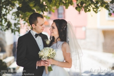 Сватба с акцент бордо